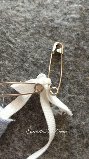 固いマスクゴムの結び目をほどく方法
