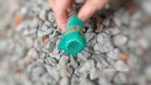 おくらネットを再利用 室外機の排水線カバー